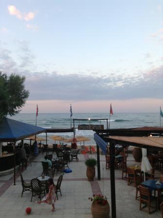 Minerva Beach : View