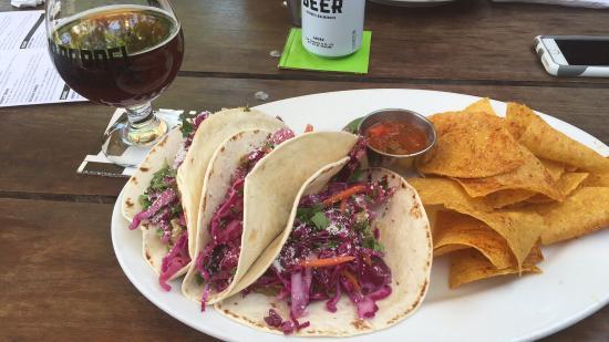 10 Barrel Brewpub: Pork Taco Verde