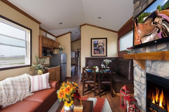 Westgate River Ranch Resort & Rodeo: One Bedroom Deluxe Cabin