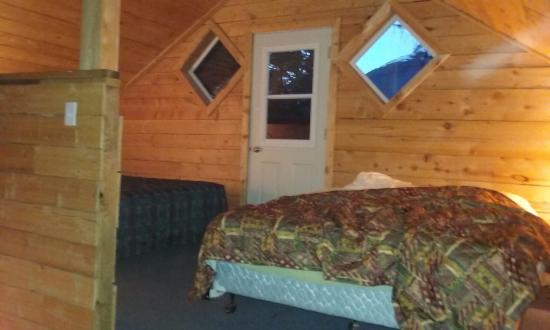 午夜太陽小屋照片