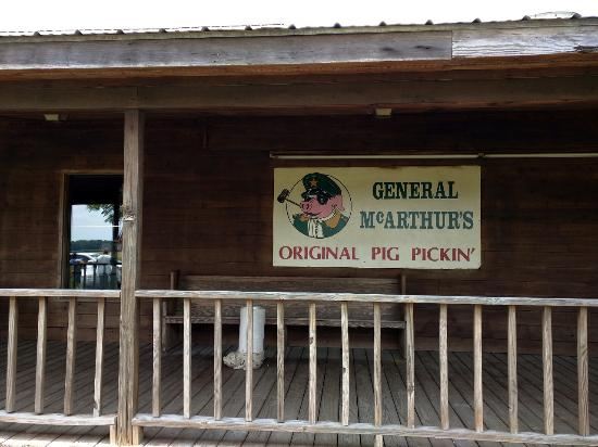 ‪‪General McArthur's‬: The sign on the front porch.‬