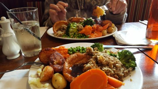 Grove Farm FarmHouse Inns SUNDAY CARVERY