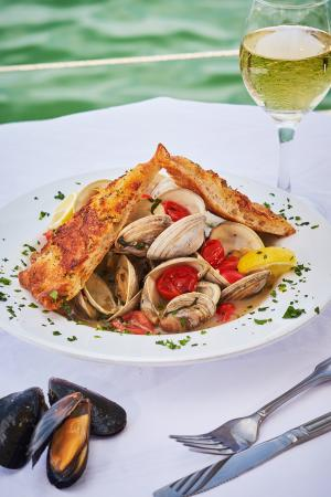 North Bay Village, FL: Steamed Clams