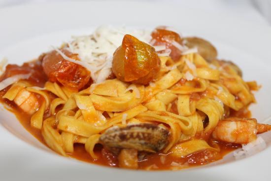 Pizzeria & Ristorante La Rocca: TAGLIATELLE ALLE VONGOLE