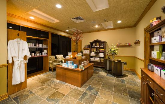 Westgate smoky mountain resort spa updated 2018 prices for About you salon gatlinburg tn