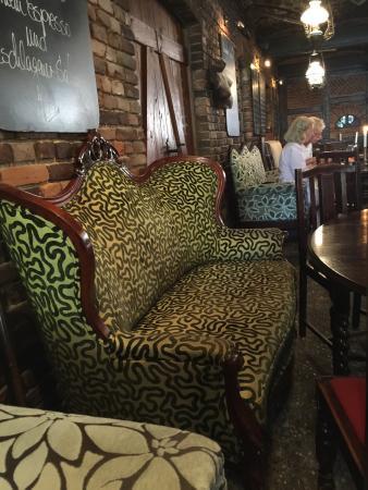 gem tliches kuscheln auf dem sofa picture of antik hof bissee bissee tripadvisor. Black Bedroom Furniture Sets. Home Design Ideas