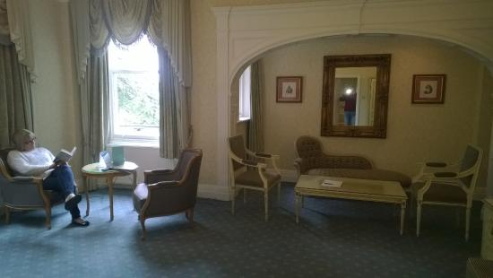 Makeney Hall Hotel: My photo shows that the room is very comfortable and tastefully done