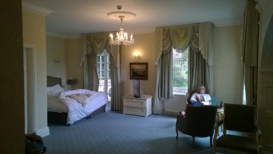 Makeney Hall Hotel: comfortable and elegant room