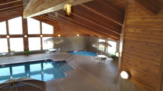 MountainView Lodge & Suites: Pool and Hot Tup
