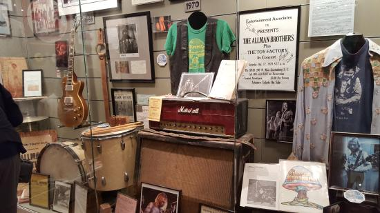 Cool stuff everywhere - Picture of The Allman Brothers Band Museum ...