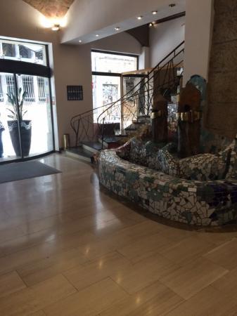 Hotel Gaudi: Entrance