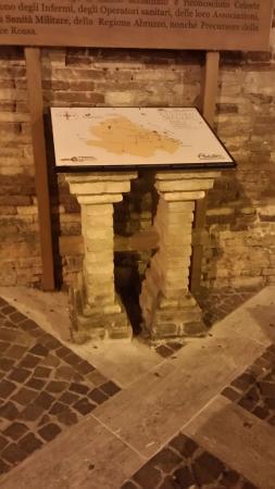 Bucchianico, Italie : Sull' esterno della chiesa