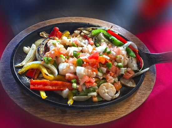 Corrales, NM: Shrimp fajitas