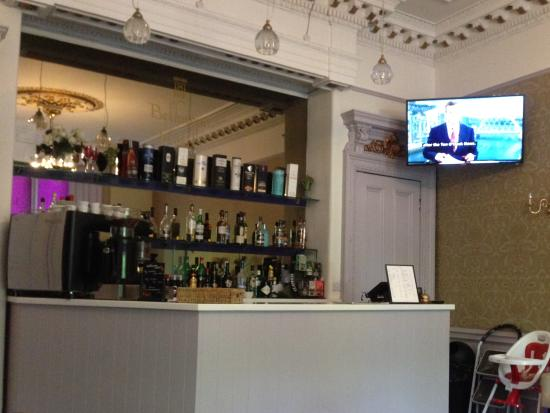 The Belhaven Hotel: Bar in the restaurant