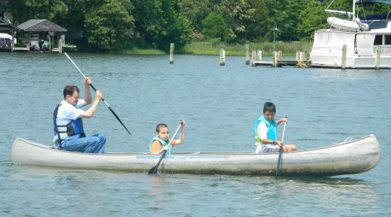 Quiet Waters Park: renting a canoe