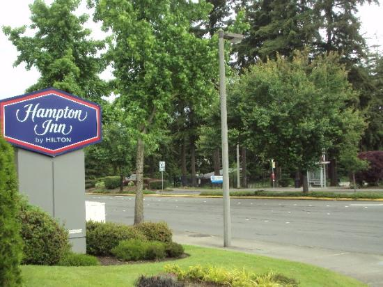 across from a nice park picture of hampton inn seattle airport rh tripadvisor com