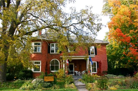 Millhollow Bed & Breakfast: Millhollow.