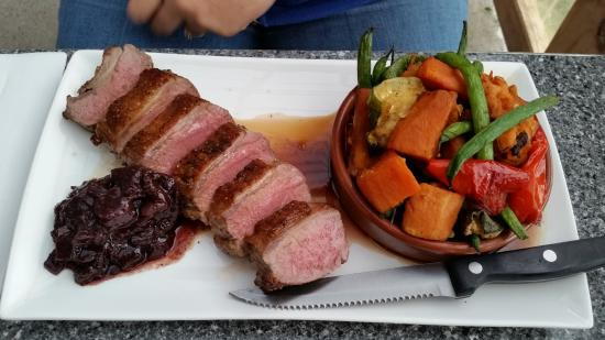 Bruny Island Wines Grill: Lamb and Roast Vegetable Salad
