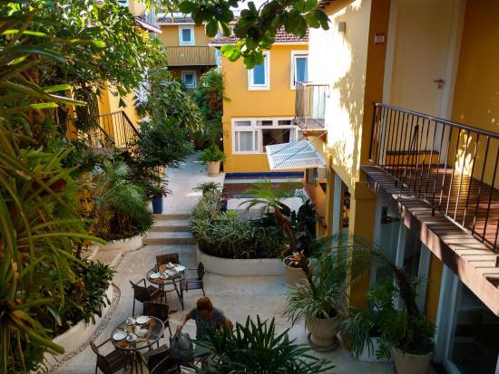 Hotel Le Relais La Borie : Patio de la posada