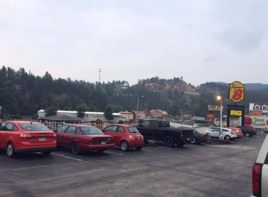 Super 8 Keystone/Mt. Rushmore: View from the parking lot