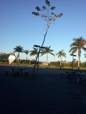 Fim de tarde em Registro. Rio Ribeira de Iguape ao fundo.