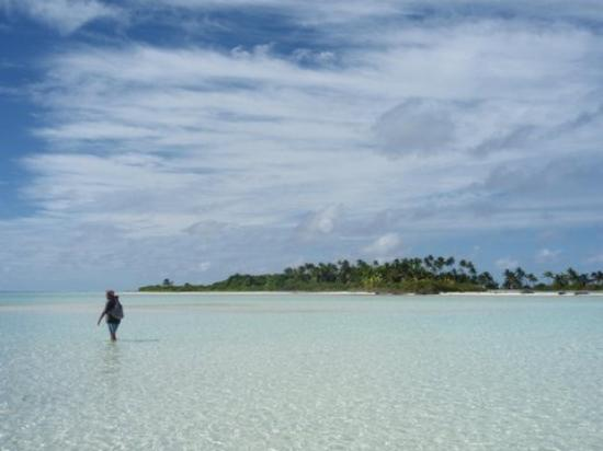 Society Islands, French Polynesia: Dans le lagon