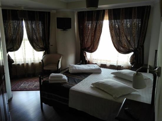 Hotel SS Residence Unirii: Camera veramente spaziosa