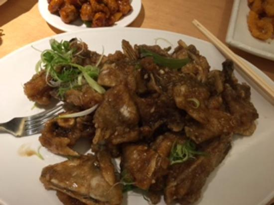 Sea King Garden Restaurant: Deep fried Garoupa bones