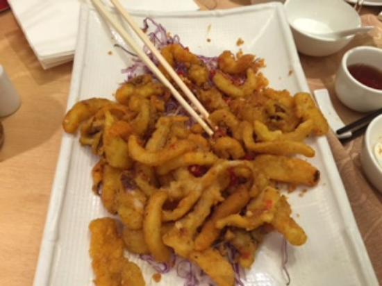 Sea King Garden Restaurant: Spicy deep fried calamari