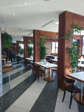 Bath Arms Hotel & Fillippos Restaurant