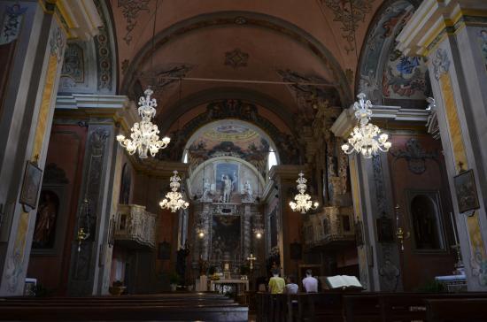Chiesa di San Giovanni Battista: Blick auf den Altar