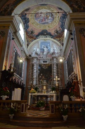 Chiesa di San Giovanni Battista: Blick zum Altar