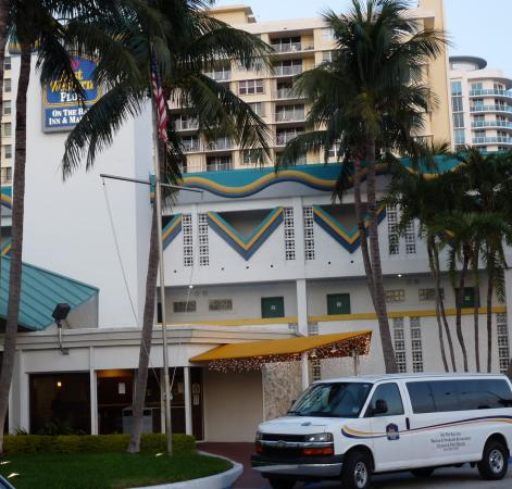 BEST WESTERN On The Bay Inn & Marina: The street view from Miami's restaurant row.