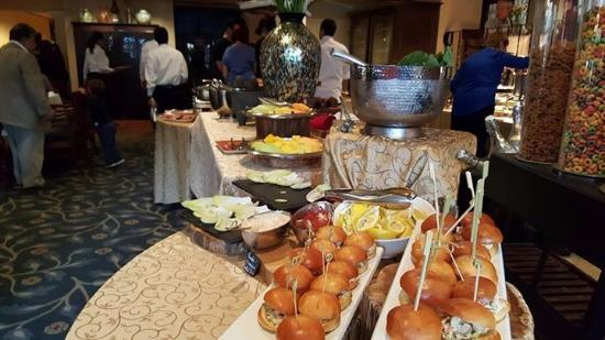 Las Canarias Restaurant: Buffet Table...loved The Mini Sliders