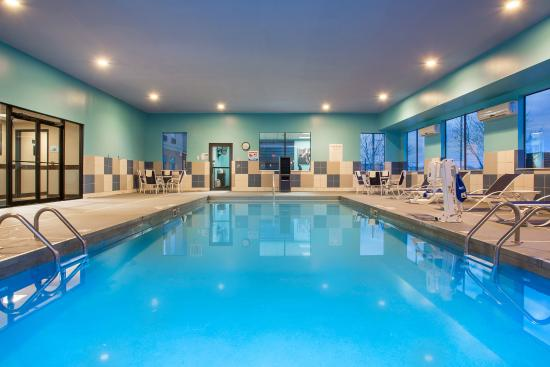 Nicholasville, Кентукки: Heated indoor swimming pool