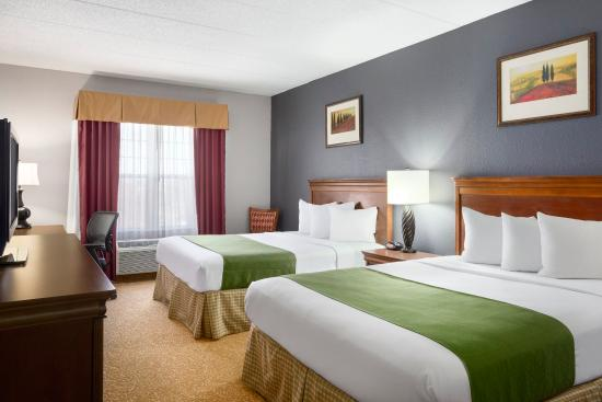 Country Inn & Suites By Carlson, Lexington: LXTNQueen Guestroom