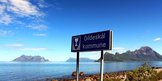 Gildeskal Municipality, Norway: Kommunegrensen mellom Meløy og Gildeskål