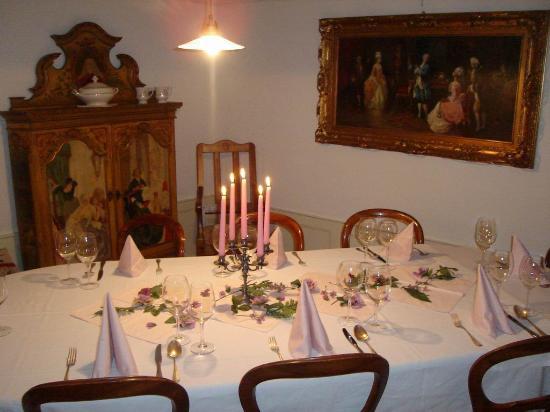Gasthaus zum weissen Kreuz: Erlebnis Gastronomie:  Sübli-Raum