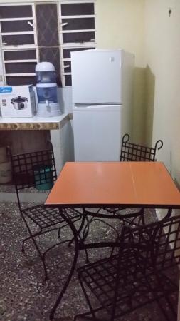 La Roomantic Colonial: Kitchen