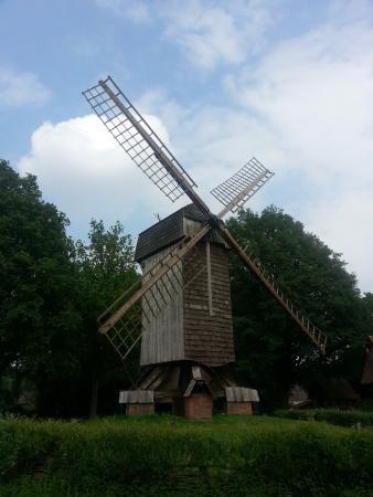 Mühlenhof-Freilichtmuseum: Antigo moinho com mais de 100 anos