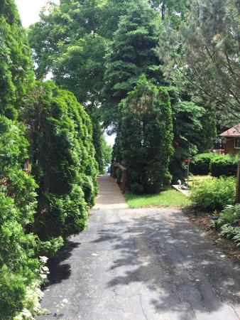Stoughton, WI: Beautifly landscaped grounds and beautiful views!