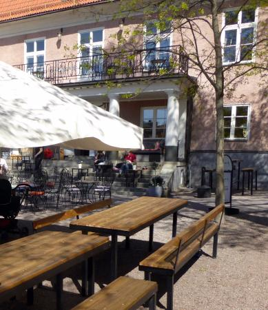 Falun, Suécia: Uteservering i Geislerska parken