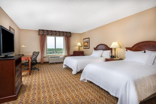 Hilton Garden Inn Florence: Two Queen Larger Bedroom