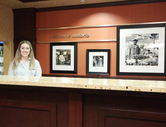 Hampton Inn & Suites Ontario: Froont Desk Team