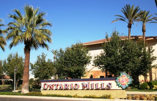 Hampton Inn & Suites Ontario: Ontario Mills Mall
