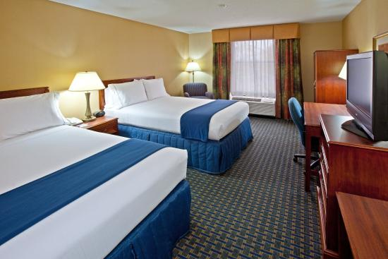 Holiday Inn Express Northwest-Park 100: Accessible guest rooms feat. a king bed or double queen beds