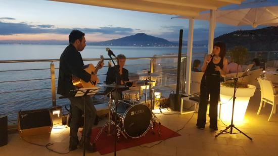 Sant'Agnello, Italië: jazz music band @Vista Sky Bar