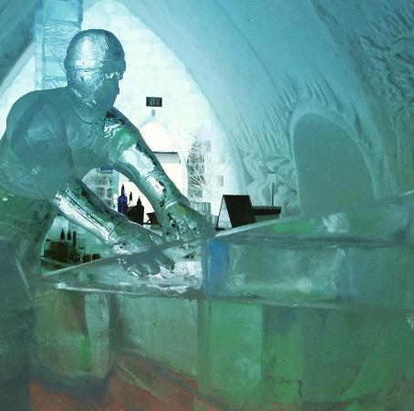 Hotel de Glace Ice Bar Bild