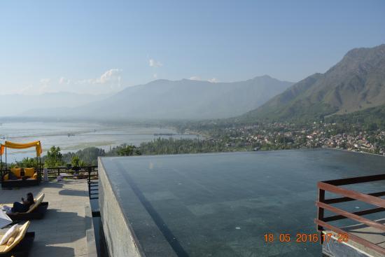 Vivanta By Taj Dal View Photo