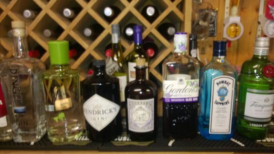 Eddies Bar : Eddies Gin Selection
